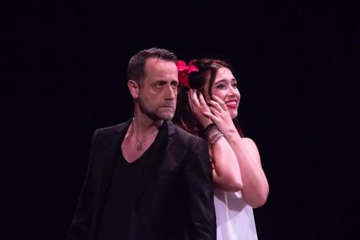 Stasera a Buriasco la storia dolorosa di Marie Trintignant diventa teatro