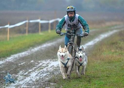 Il bibianese Vercellone chiude quinto, sotto la pioggia, il suo primo Europeo di bikejoring