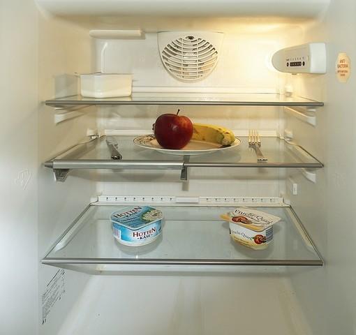 Non è un pesce d'aprile: i frigoriferi si svuotano, lo Stato agisca subito