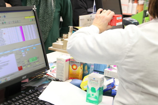 Coronavirus, nelle farmacie piemontesi parte la distribuzione in farmacia del Plaquenil per i malati Covid