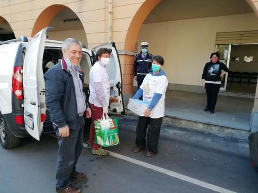 La Caritas appoggia la distribuzione lusernese di beni di prima necessità (FOTO)
