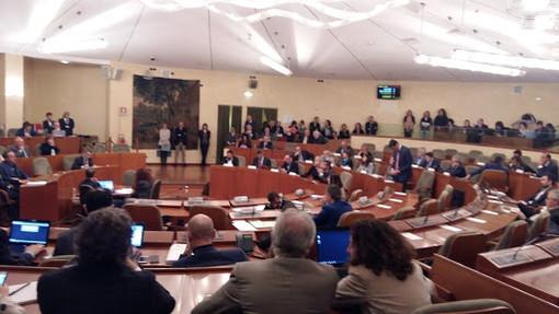 """Gioco d'azzardo, la maggioranza in Regione ritira l'emendamento: """"Ma cambiare la legge resta la priorità"""""""