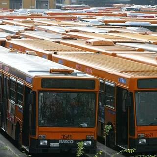 mezzi trasporto pubblico