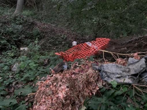 Villafranca Piemonte: abbandona rifiuti lungo il Pellice, multato