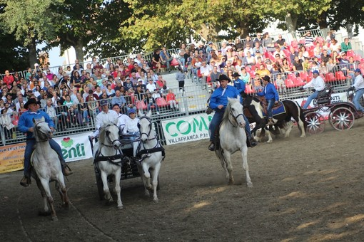 Mais e Cavalli a Vigone sotto la stella dei Giona Show