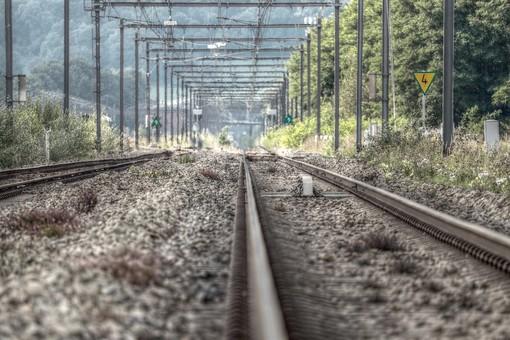 Guasto tecnico al nodo di Torino: dalle 5 treni in ritardo, cancellati o limitati