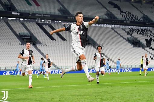"""Anche il grande Pelè omaggia Ronaldo: """"Congratulazioni per ogni tuo passo in avanti"""""""