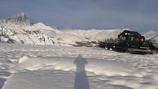 Pian Munè di Paesana (Cn), due metri di neve in quota e domenica ne arriva dell'altra. Il 7 dicembre si apre