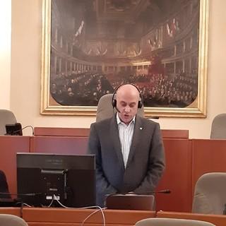 La Regione Piemonte rende omaggio alle vittime del Coronavirus: bandiere a mezz'asta e un minuto di silenzio.