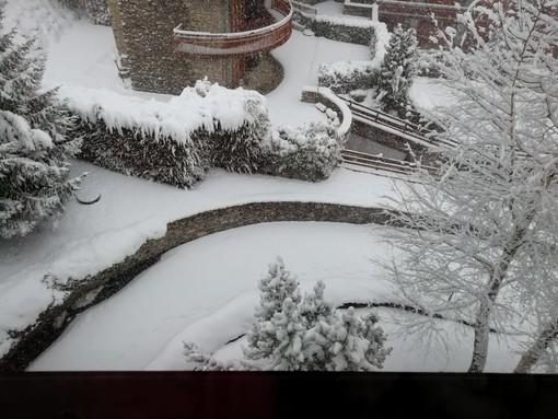 Meteo: montagne completamente imbiancate, a Torino è tornata la pioggia [VIDEO]