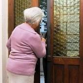 truffa anziani - foto di repertorio